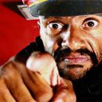 Toninho do Diabo contrata pessoas feias para seu próximo filme