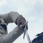 Rei Arthur: A Lenda da Espada desconstrói o mito e cria um herói