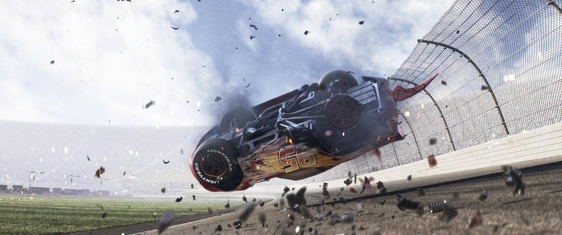 Em Carros 3, Relâmpago McQueen tem o desafio de se reerguer. (Foto: Disney•Pixar)