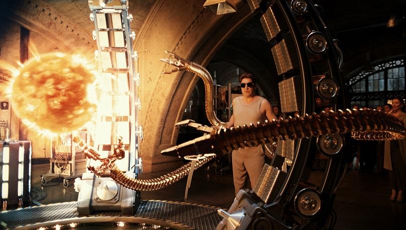 Algo dá errado nos experimentos de Otto Octavius e os tentáculos acabam dominando a mente do cientista. (Foto: Sony)