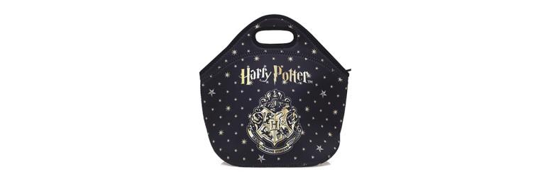 Riachuelo lança coleção de produtos inspirados em Harry Potter