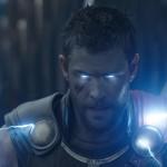 """Ragnarok: Thor deixa de ser """"prego"""" em filme que é uma martelada"""