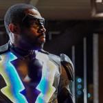 Black Lightning: Raio Negro cai em cima do racismo, crime e violência policial