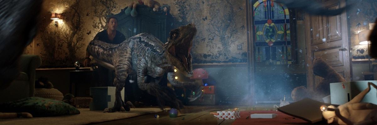 Jurassic World: Reino Ameaçado revive clichês em transição da franquia