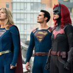 "The CW renova Flash, Supergirl, ""Legends"", Black Lightning e Batwoman"