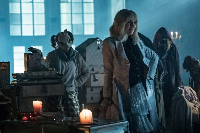 Rachel Skarsten como Alice Vermelha em Batwoman