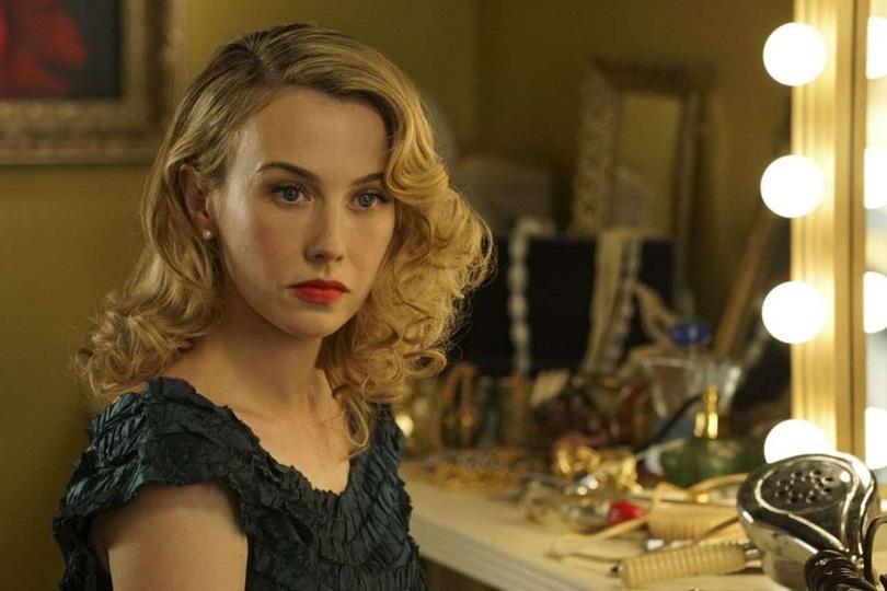 Wynn Everett é Whitney Frost em Agent Carter