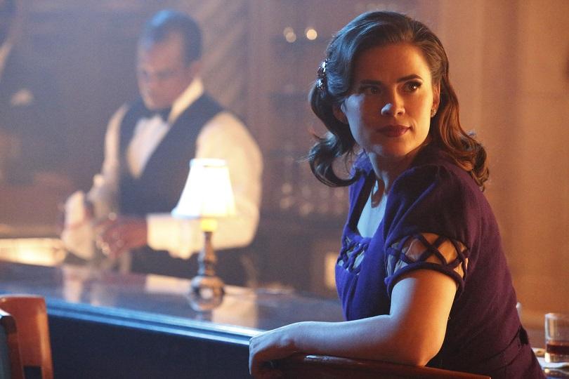Hayley Atwell em cena da segunda temporada de Agent Carter