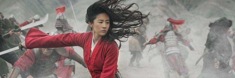 Mulan foca na ação com protagonista superpoderosa