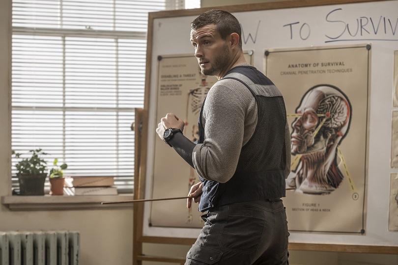 Nico Tortorella como Felix Carlucci em The Walking Dead: World Beyond