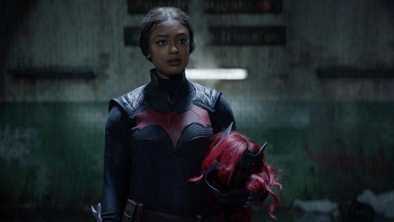 Batwoman retorna com nova heroína e dois legados a atender