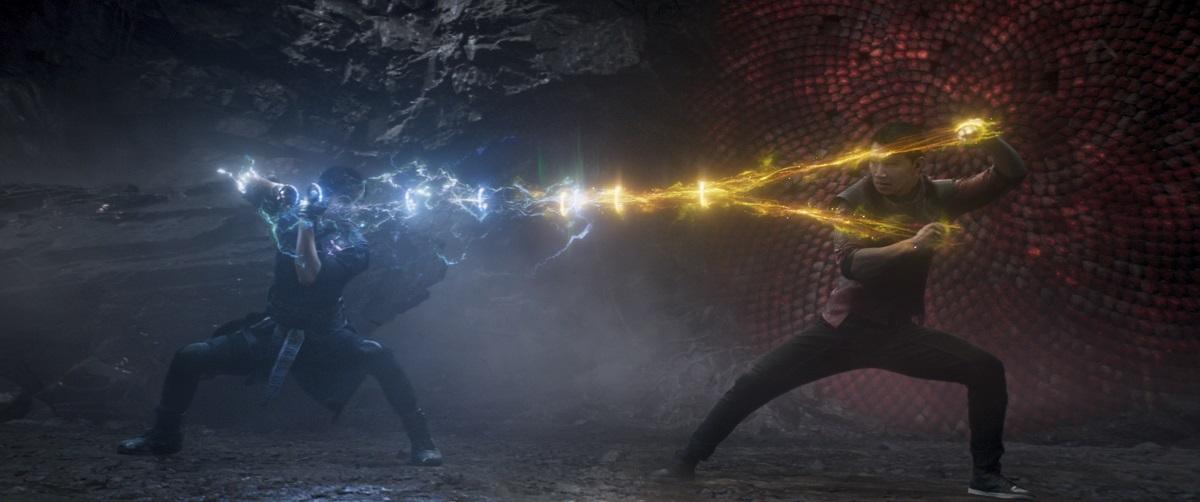 """Filme de kung fu, """"Shang-Chi"""" traz divertido caos à Marvel"""